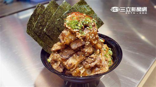 日本燒肉丼:牛角次男坊。(圖/記者簡佑庭攝)