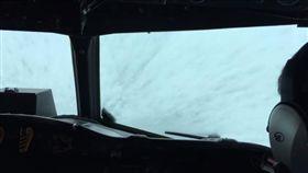 飛行員挑戰馬修/美國國家海洋暨大氣總署臉書
