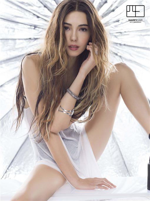 影/為了她的40歲 林炳存選了巴西辣模Paula