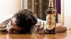 喝酒酒醉-flickr-skippyjon