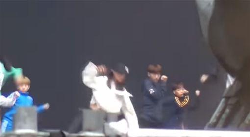 Korean Music Wave,TWICE,子瑜,AOA,雪炫,EXID,哈妮,youtube,https://www.youtube.com/watch?v=HkCP2Lqwbxg