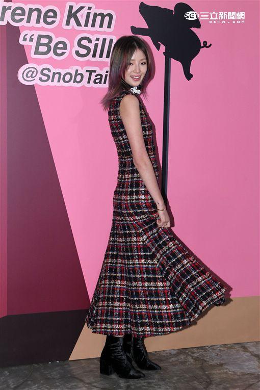 國際超人氣名模Irene Kim首度來台,為時尚服飾精品店開幕走秀。(記者邱榮吉/攝影)