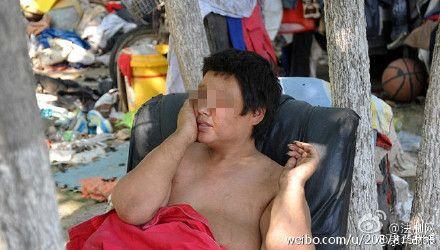 大陸杭州遭母親刺傷男嬰(圖/翻攝自京華時報微博)