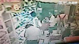 日籍男大生藤井翔太偷拍短裙妹裙底風光遭警逮捕(翻攝畫面)
