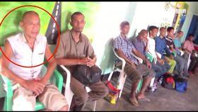 遭海盜挾持5年獲釋 26人質抵肯亞