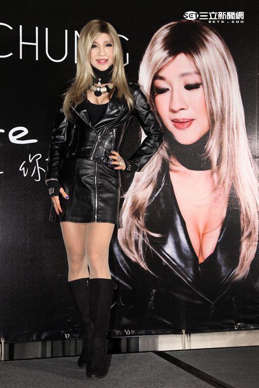大馬珍女人鍾潔希艷蛻變龐德女郎推出首張英文歌曲專輯,進軍歐美樂壇。(記者邱榮吉/攝影)