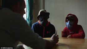 菲律賓 夫妻檔殺800毒蟲 殺1人可賺100美元 圖/翻攝自SBS Dateline http://www.sbs.com.au/news/dateline/article/2016/10/20/meet-husband-and-wife-assassin-team-carrying-out-philippines-drug-war?cid=inbody:getting-away-with-murder