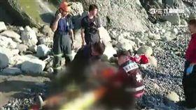 夫妻都蘭海邊遭落石擊中