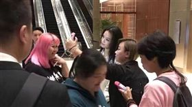 舒淇出席上海活動2 圖/翻攝自峳一微博 http://ww2.sinaimg.cn/mw690/915c6dd7gw1f974wddenjj20qo0zkn2g.jpg