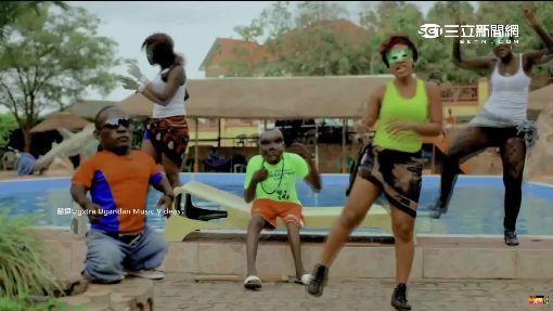勵志!烏干達最醜男 拍攝MV網路爆紅
