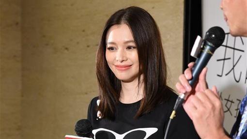 徐若瑄舉辦簽書會開心與粉絲相見互動--鄭先生