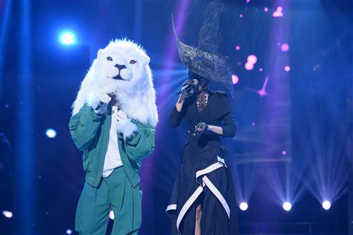 20161031大「濕」身!品冠扮獅王當蒙面唱將 圖/種子音樂提供