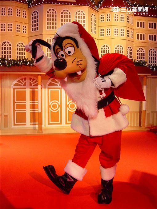 香港迪士尼聖誕節,雪亮聖誕。(圖/香港迪士尼提供)