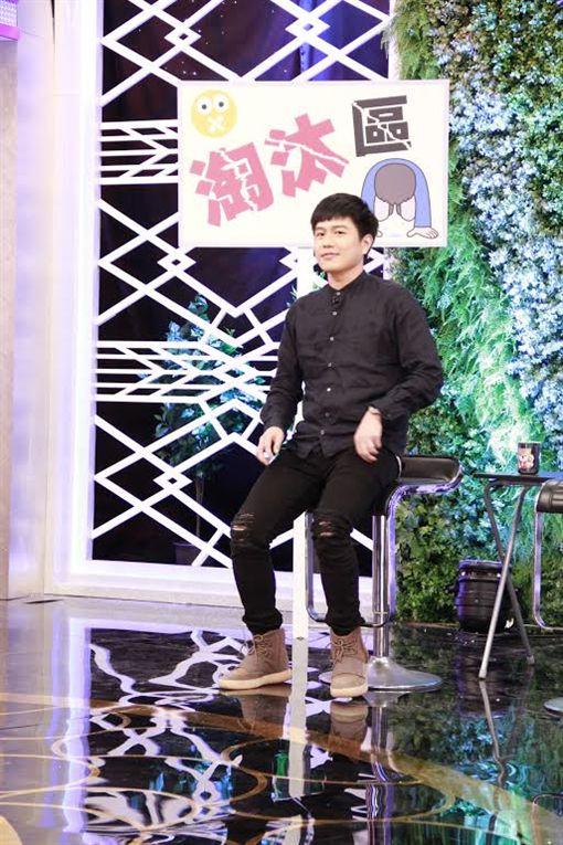 六月 李易 圖/臉書