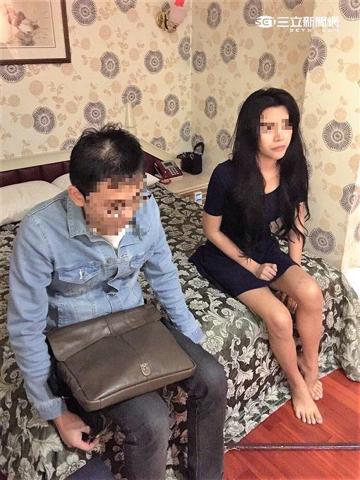 中山分局破獲以外籍女子為主的應召站,還查獲兩位未變性的泰國人妖(翻攝畫面)