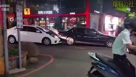 台中 東海夜市 行車糾紛 豐田 BMW 翻攝影片 爆料公社