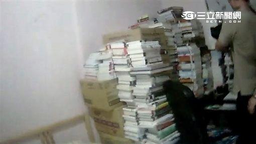 蔡男偷遍雙北42間圖書館得手逾千本書(翻攝畫面)