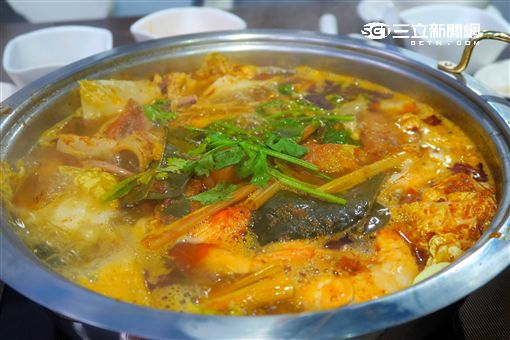 子味澳式火鍋,冬蔭鍋。(圖/記者簡佑庭攝)