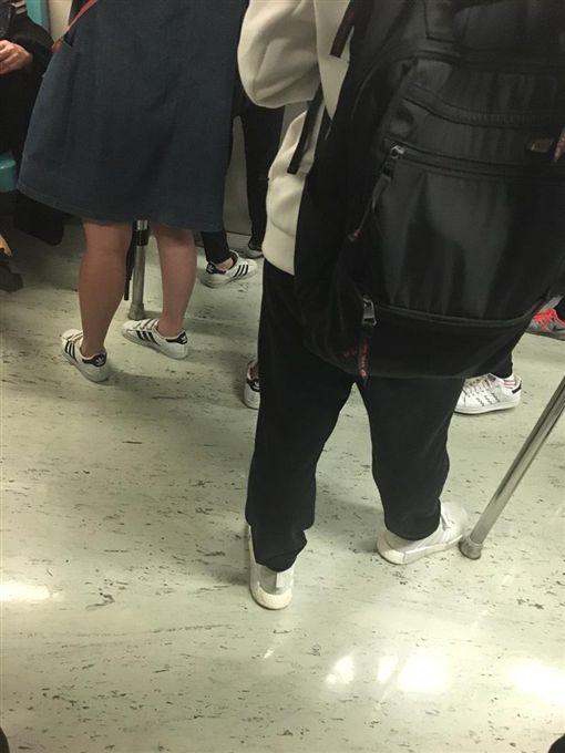 撞衫,撞鞋,巧合 圖/翻攝自Dcard