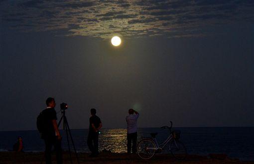 超級月亮,滿月,月圓 圖/中央社