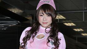 日本最強E奶女優涼川絢音首次來台,拍攝電視廣告並且為遊戲配音。(記者邱榮吉/攝影)