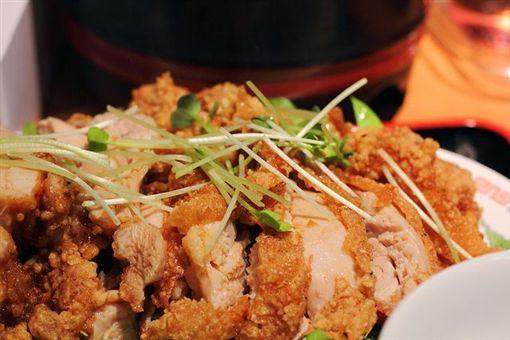 預防大腸直腸癌,應多吃蔬果,少吃肉類及高油脂食物。(圖片來源:Flickr,原作者t-mizo,網址 http://bit.ly/1E04IoV)