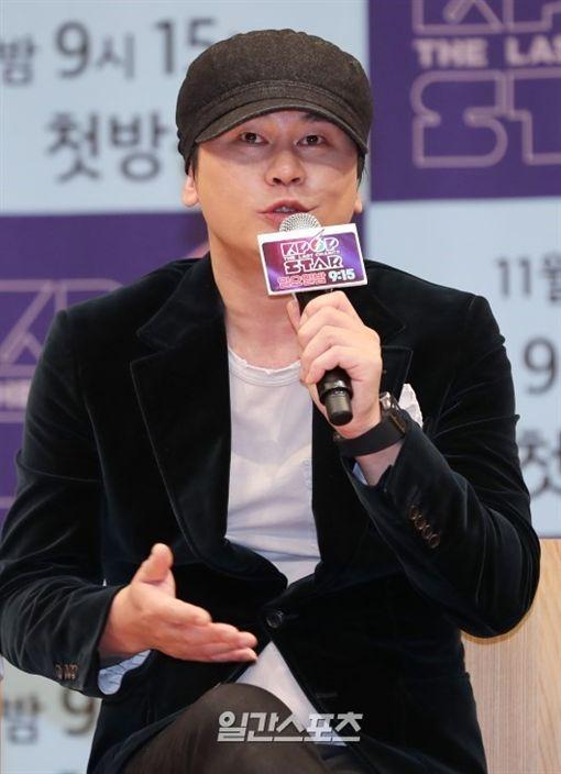 圖翻攝自韓網 PSY YG 崔順實