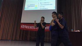 消防員受課CPR(圖/消防局提供)