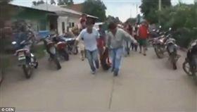 玻利維亞,姦殺,女童,私刑 圖/翻攝自每日郵報