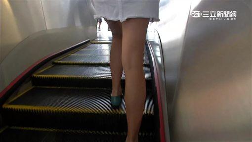 -偷拍-短裙-美腿-裙底風光-手扶梯-