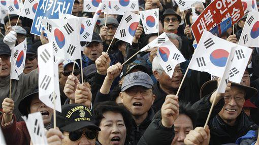 南韓民眾抗議總統朴槿惠(圖/美聯社/達志影像)