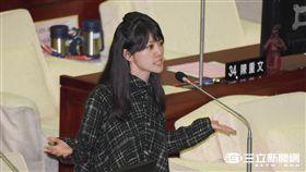 台北市議會總質詢,民進黨台北市議員高嘉瑜 圖/記者林敬旻攝