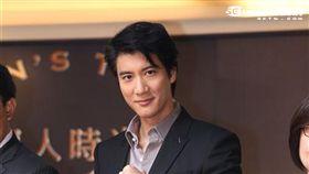 王力宏帥氣出席鐘錶品牌活動,為行動酒吧啟動揭幕 圖/鄭先生
