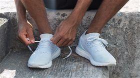 一雙利用11個保特瓶 Adidas推再生鞋款