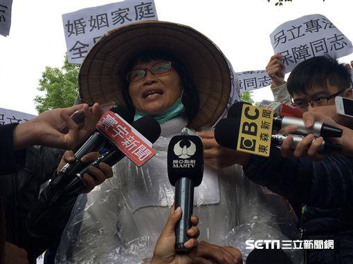 台灣全國媽媽護家護兒聯盟秘書長陳怡朱 吳宜蓁攝