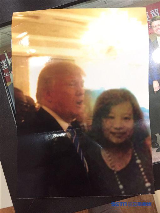 川普大使陳思庭與美國總統川普合照。川普大使辦公室提供