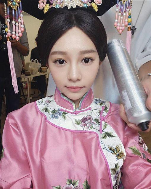 20161125格格吉祥!林明禎清裝扮相超可愛♥ 圖/翻攝自林明禎臉書專頁