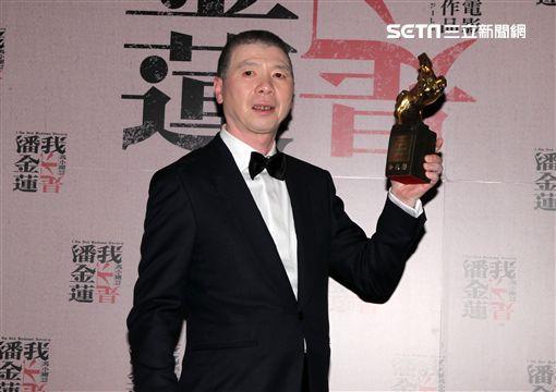 第53屆金馬獎最佳導演馮小剛率團隊慶功,獨缺范冰冰。(記者邱榮吉/攝影)