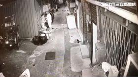 台北市信義區巷弄內 40歲女遭砍傷雙手送醫(圖/翻攝畫面)