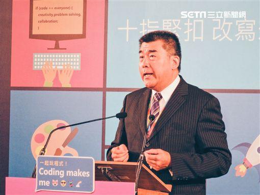蔡英文加持!十指緊扣改寫未來 台灣微軟攜全民共同寫程式