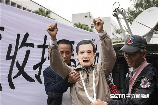 狗籠收押馬英九(圖/記者林敬旻攝)