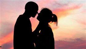 一名男網友表示,自己的女友其實是「同性戀」。(示意圖/攝影者Tammy McGary, Flickr CC License)