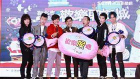 「巨星耶誕演唱會」卡司發布記者會蕭敬騰、獅子合唱團,主持人 黃子佼、浩角翔起--鄭先生