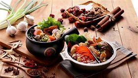 老先覺,火鍋,麻辣鍋,平價,鴛鴦鍋,湯頭,小火鍋