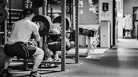 深蹲,健身,重訓,運動,重量訓練,減肥,肌肉  ▲圖/攝影者Lance Goyke, Flickr CC License(https://goo.gl/SCsWGA)