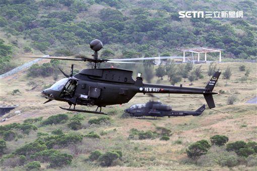 陸軍航特部OH-58奇奧瓦偵察直升機和AH-1W眼鏡蛇攻擊直升機偕同作戰,將來有可能由AH-64A阿帕契攻擊直升機替換AH-1W。(記者邱榮吉/攝影)
