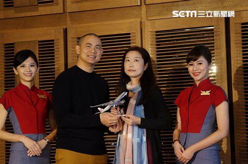 機上超限定!江振誠「東方美人湯」獨家端進華航A350(李鴻典)