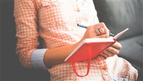 寫字,記錄,紀錄,閱讀,日記,筆記,旅行,獨處(圖/Pixabay)