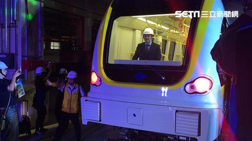 捷運環狀線首列車登台亮相 盧冠妃攝