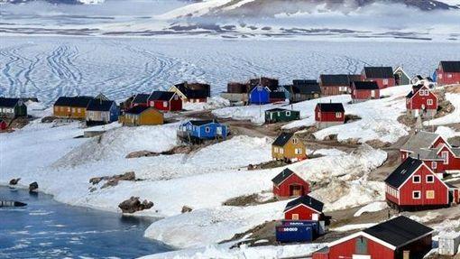 Ittoqqortoormiit,格陵蘭,北極圈,極地,雪(圖/翻攝自Volagratis臉書)https://www.facebook.com/volagratis/photos/bc.Abp6No0Y_jQjSfzwwljf0tHQih6UPJw66zeP7fGioYzMfQLRzU4IurZd0iqR16bDxhQEuylWi29RSqiu4hWQp7So2c0l9tbV4vFgVIwA3trjfoYZbwkK_2Uyvt0va-V2uOZg4XogxxU5jRDMl9bV5Qn7/10154805424336726/?type=1&opaqueCursor=Abr7Ejq9kVoFN1-tt9mkmvPSGuv8vuAo6_fnShzu34GWP5HcoORMfhMrDMaWedCEZX7sc2ymfc3eekSbLKX5E5lx83EUa-ggDhqrd2q9i0ZOYMcBsixW11YFB1VAVefgkysNE86yVbE3T0YXjjM-GxcT_ongnMbWH5Ii2tRbO4Pd2cqlRIzQ5Idf8uxUAQLmVmqAFJghThhh9opl12U1aUVshrb4nnaQTUD5QHxDaZHF1J6XjyPNdX-kg_aGpdp0TUIpjosNT9SxtWU00uWlGN8uD4KTNNWsKzd7oGek_TZEWxwqPVBMkZzJotsxI0gD2E_1iDEm9XDBg452brXz5rS2jFaDzihfpRlLGt47pMyGVtcWSJlHZf4zD-pQjrCAUdk&theater